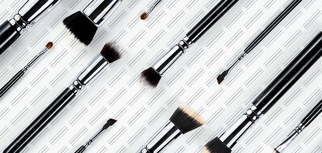makeup brushes pattern
